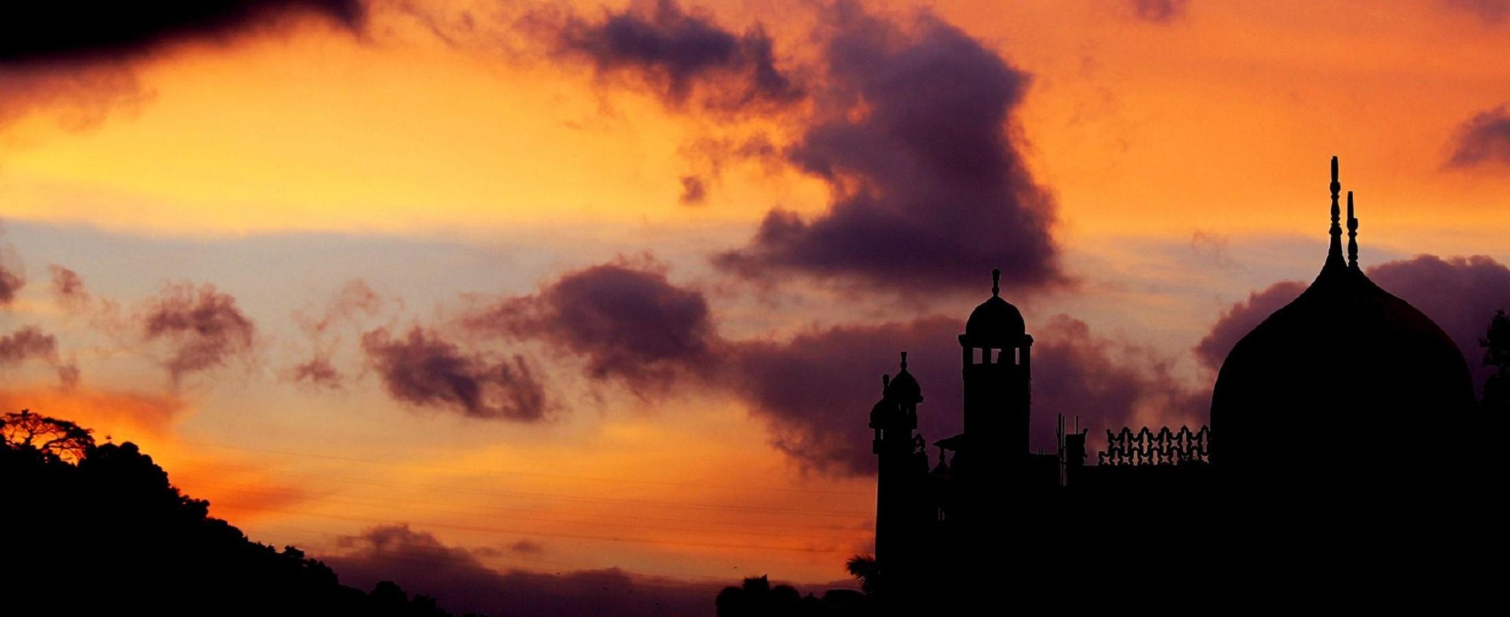 mosque-245113_1920-e1503924899165